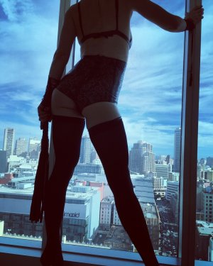 Chantal-marie live escort