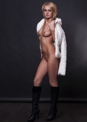 Bernadette escort girl in Sterling Heights MI