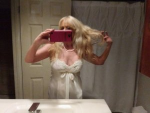 Laure-emmanuelle outcall escort in Brighton CO